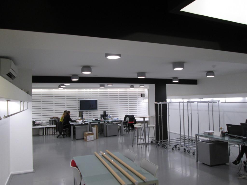 Eficientia iluminacion led sl oficinas led for Iluminacion led oficinas